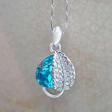 Aquamarine Flower Necklace