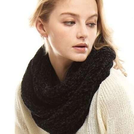 Elizabeth Besich - Fashionable Black Winter Scarf